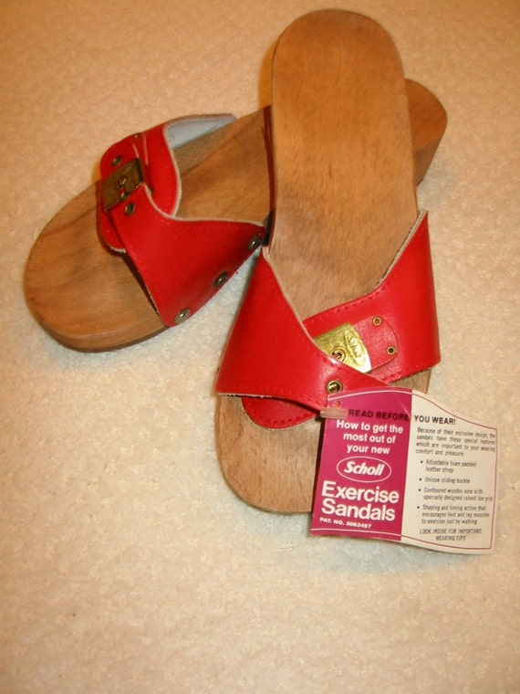 vintage red Dr Scholl exercise sandals size 6 - never worn