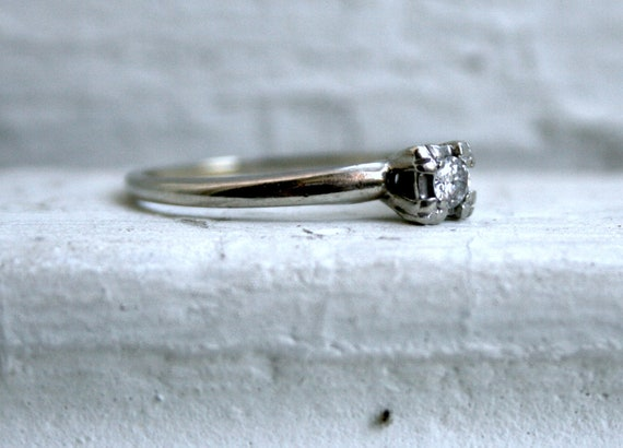Classic Vintage 14K White Gold Diamond Solitaire Engagement Ring