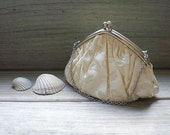 Vintage bag / pouch / white cream / cottage chic / evening bag / romantic / hand bag /  purse / Victorian style / feminine / accessory /