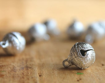 Quebec City Silver Stardust 12mm Christmas Jingle Bells (10) - Make Merry