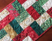 Traditional Quilted Christmas Table Runner