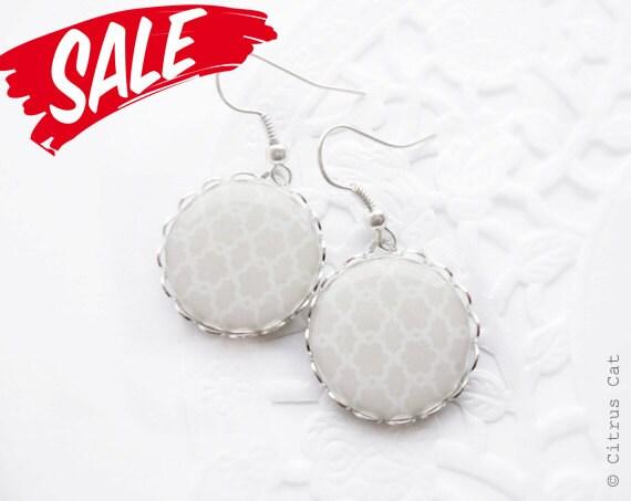 SALE - Neutral beige earrings