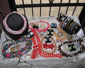 Huge Vintage Lot of Earrings, Brooches, Pendant, Necklace, Earrings Great Condition