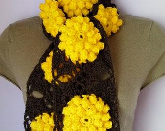 Crochet SCARF/ NECKWARMER women scarf brown yellow flowers, sjaal, bufanda, cachecol, sciarpa, Schal, foulard, echarpe