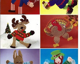 Holidays in Motion Wall Hangings Plastic Canvas Pattern The Needlecraft Shop 844072