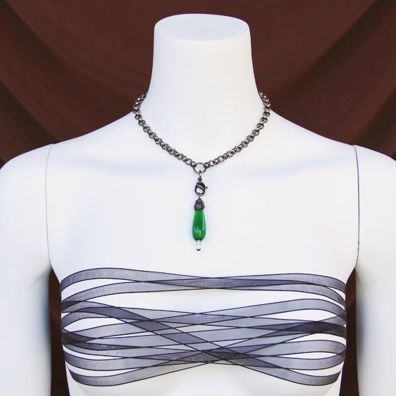 Choker Necklace: Emerald green pendant on a chunky gunmetal chain necklace. Gothic meets St. Patrick's Day.