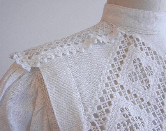 Antique Edwardian Blouse / Vintage 1900s White Embroidered Linen and Lace Shirt