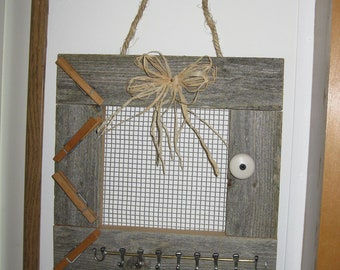 Vintage Shabby Chic Rustic Cedar with Hangers - Item 25-1001