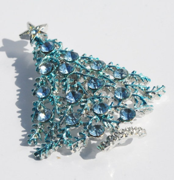 Vintage Blue Crystal Rhinestone Silver Christmas Tree Brooch Pin