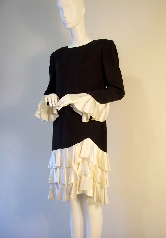 RESERVED LISTING (for Ellen Dial) Vintage 1980's evening/cocktail dress in four-ply silk crepe