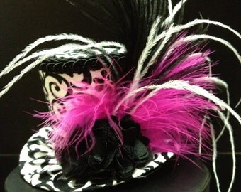 Black and White Damask Mini Top Hat.  Great for Birthday Parties, Tea Parties, Photo Prop, Girls Night Out and Much More...