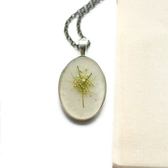 pressed flower necklace snowflake real resin queen annes lace botanical pendent fashion handmade jewelry silver