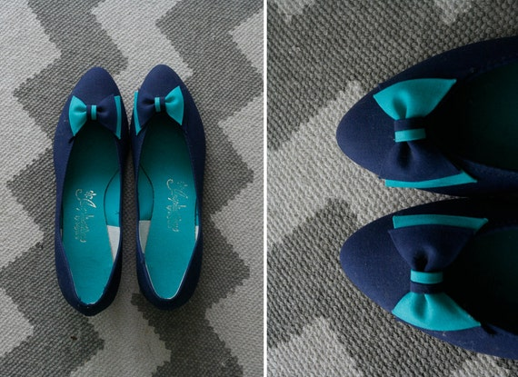 1960s blue and teal bow flats // 9.5