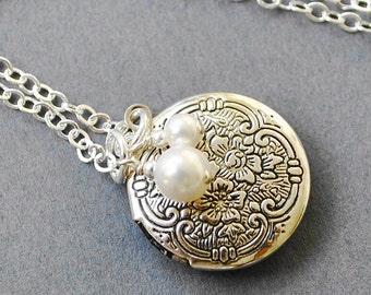 Round Silver Locket Necklace - Mom Jewelry - Bridesmaid Necklace -  Victorian Locket - Small Silver Locket