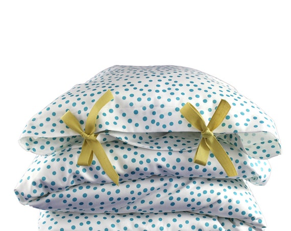 ORGANIC Toddler Bedding set - Scattered dots - peacock blue dots on white background