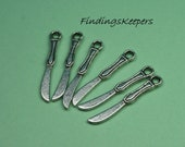 Knife charm 6 Charms Antique Silver Tone 25 x 4 mm -   tsc133