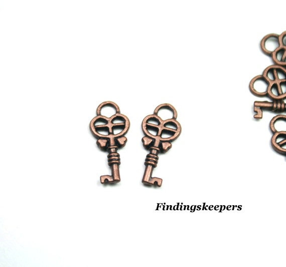 8 Key Charms Antique Copper Tone Metal 18 x 8 mm -  cc016