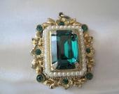 Vintage Coro Emerald Rhinestone Pearl Pendant