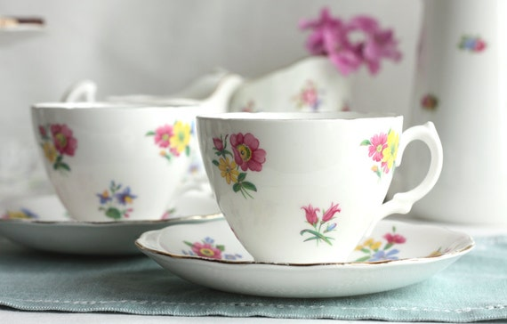 Pretty pair of vintage tea cups and saucers: Royal Vale china for a special tea party or a lovely gift
