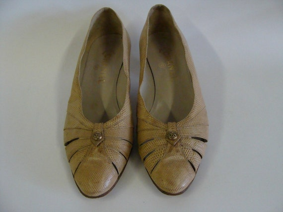 Vintage Chanel Shoes / Tan Color / Heels / Size 8