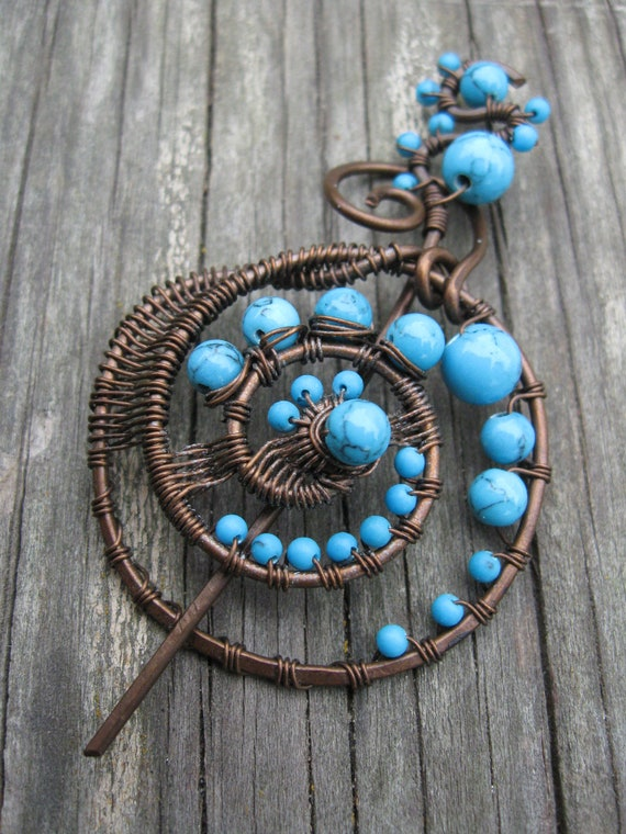 FREE SHIPPING- Wire Wrapped Penannular  Shawl Pin - Turquoise and Copper Brooch - Spiral Swirl Fibula - Circle pin