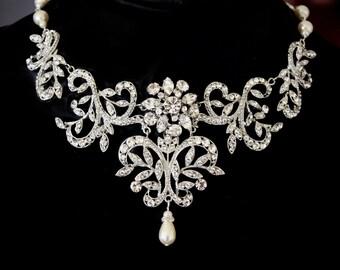Piony Romantic Swarovski crystal and pearl bridal necklace