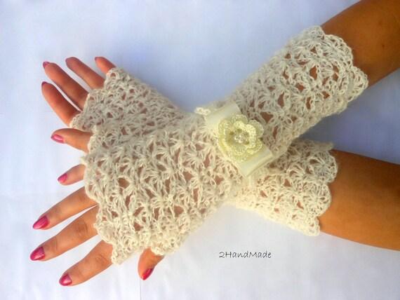 Lace Crochet Fingerless Gloves Wedding Ivory Vintage Style Hand Warmers Romantic Irish Flower Fluffy Kid Mohair flirty romantic feminine