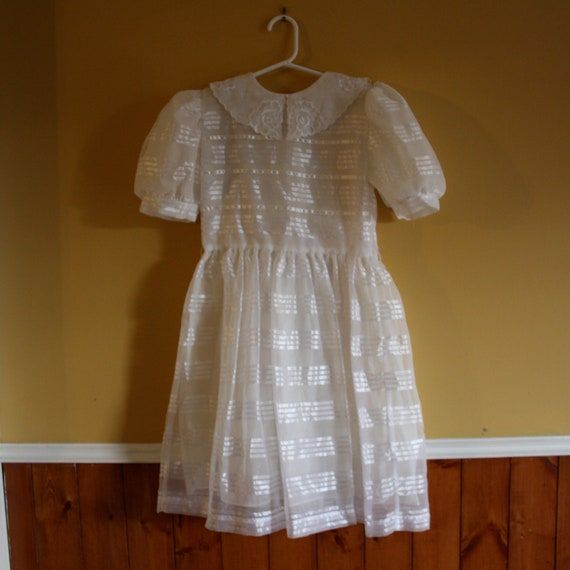 Reserved for Elizabeth  Reserved Reserved    Girl's vintage formal white dress / First Communion Dress / Party dress / Size 8