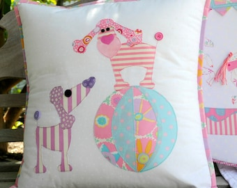 Oodles of Poodles Applique Cushion PDF Pattern - instant dowload