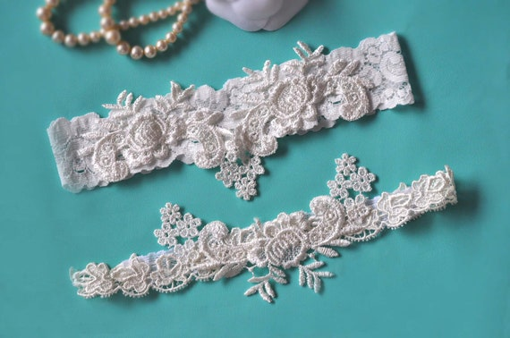 Lace Garter Set, Vintage Ivory Applique on the Off-white Stretch Lace Wedding Garter,Gorgeous Off-White Venise Lace Garter