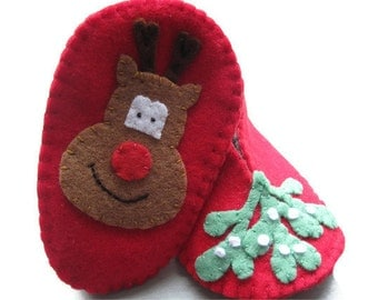 Christmas Baby Booties - Felt Baby Shoes 0 to 3 months