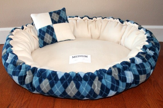 Argyle Blue & Cream Pet Bed, Size Medium -- CLEARANCE, 50% OFF --