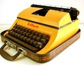 Vintage Lilliput Junior Typewriter in Yellow with Original Case and key. British