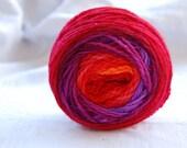 Yarn, handdyed, 100% SW Bfl colour Feuer, selfstriping