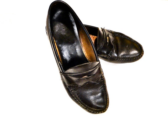 Black Leather Bass Weejuns Penny Loafers 1980's