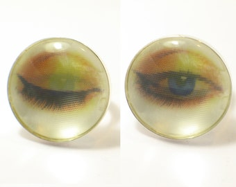 Winking eye. Blinking Eye ring. 3D effect. Modern Jewelry. Vari-Vue Lenticular 3D. Holographic. gift for her. blink