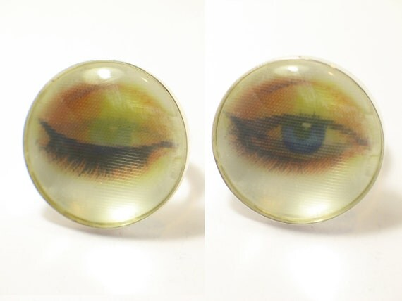 Winking eye. Blinking Eye ring. 3D effect. Modern Jewelry. Vari-Vue Lenticular 3D. Holographic. gift for her. blink