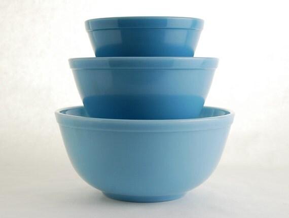 Vintage Pyrex Delphite, Bluebelle Mixing Bowls
