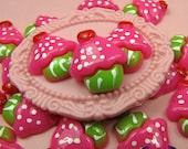5 Pcs Pink CUP CAKES Sweets  Decoden Kawaii Flatback Resin Cabochons 19x17mm