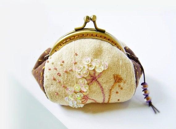 Coin purse / metal frame purse / embroidery purse / metal frame / 8.5 cm frame purse - made to order