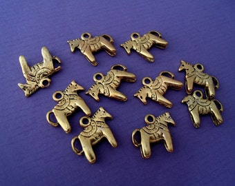 10 x tiny horse charms, animals,  jewelery findings, horses, small charms, pendants, antique gold