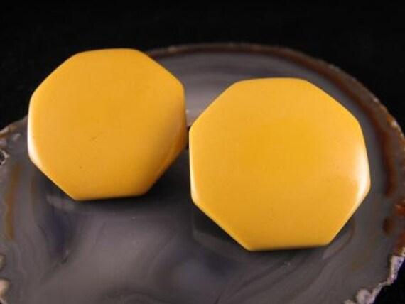 RESERVED For Elenoir: Vintage EARRINGS Butterscotch BAKELITE Button Clips