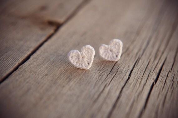Sweetheart Crochet Earrings - White