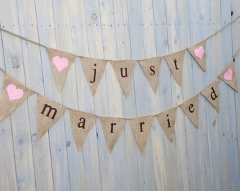 Burlap banner Just Married - Wedding Banner - Photography shoot - Wedding reception - triangles
