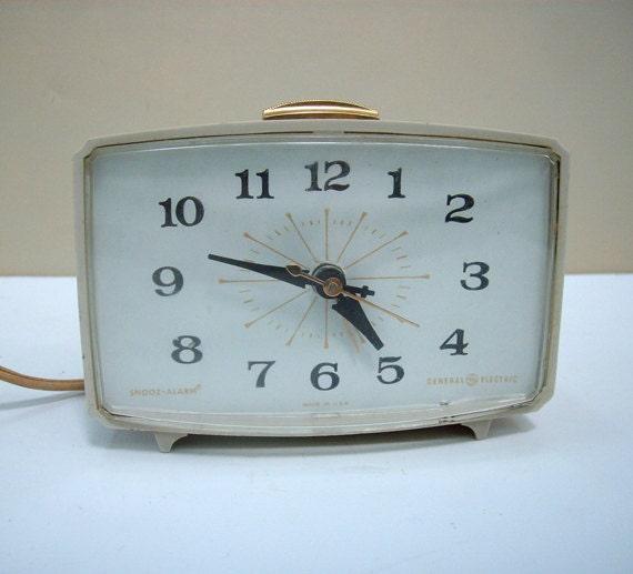 Mid Century Vintage Ge Alarm Clock Atomic