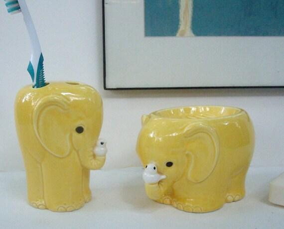Mid century vintage elephant bath accessories set soap dish for Elephant bathroom accessories