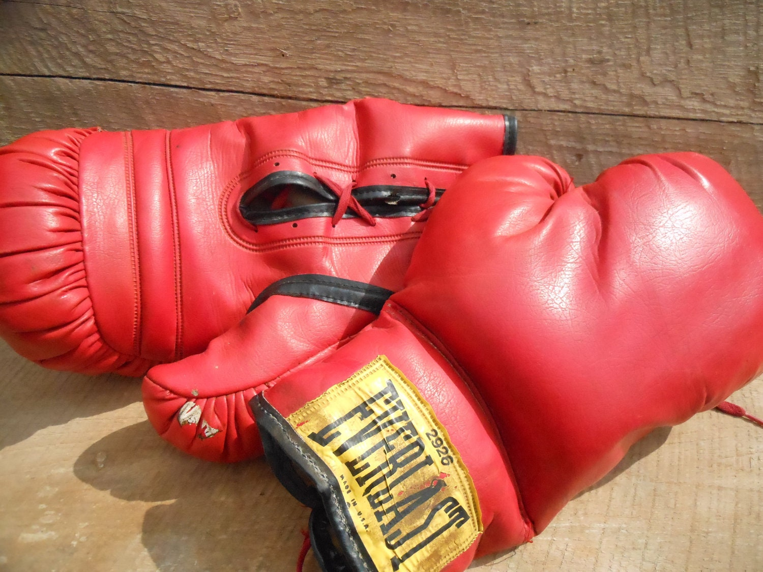 Shiv Naresh Teens Boxing Gloves 12oz: Vintage Red Everlast Lace-Up Boxing Gloves
