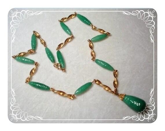 Green Glass Necklace  Impressive Stunner 1473a-40510000