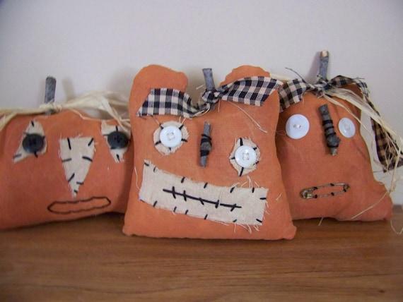 Set of 3 Prim, Grim, Grungy Pumpkin Face Halloween Jack-o-Lantern Bowl Fillers/Tucks/Shelf Sitters