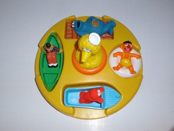 Sesame Street Bathtub Toy Floating Ring 5 Figures Big Bird